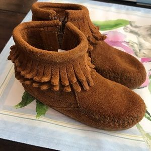 🎀 Minnetonka Baby Toddler Size 5 Moccasins Boots
